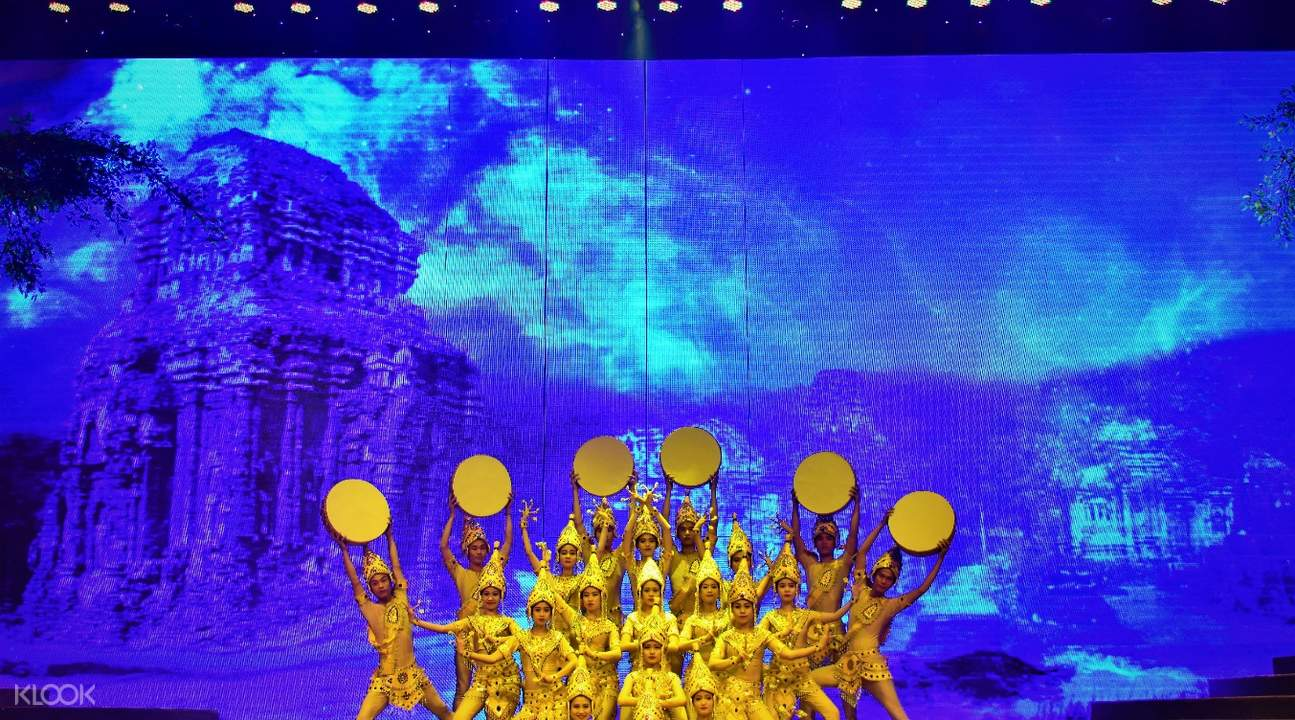 Mysterious Champa Dance in Charming Danang Show