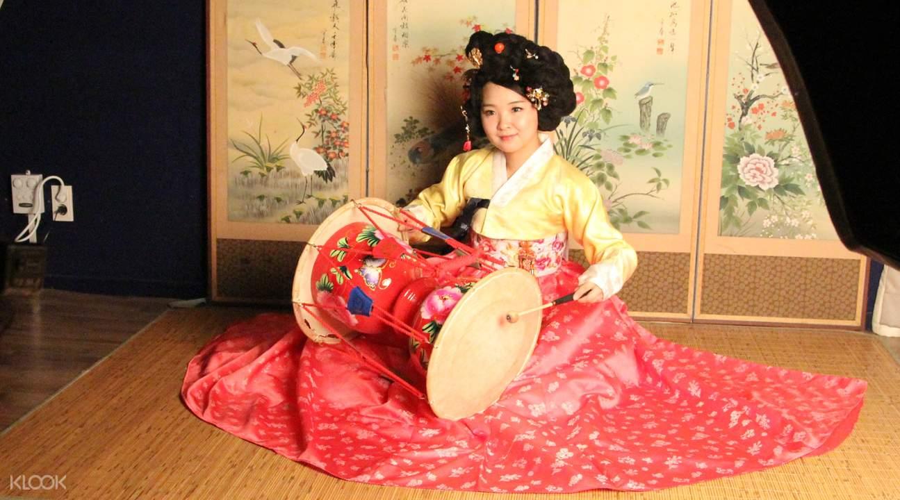 hanbok myeongdong