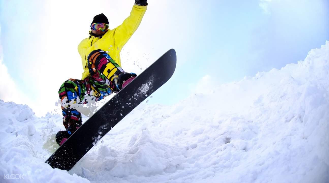 北海道二世古地区滑雪