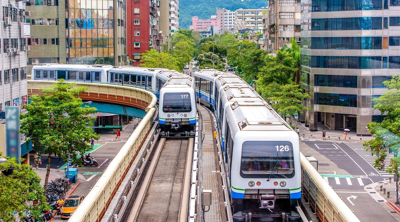 Taoyuan Airport MRT One-Way Ticket + EasyCard