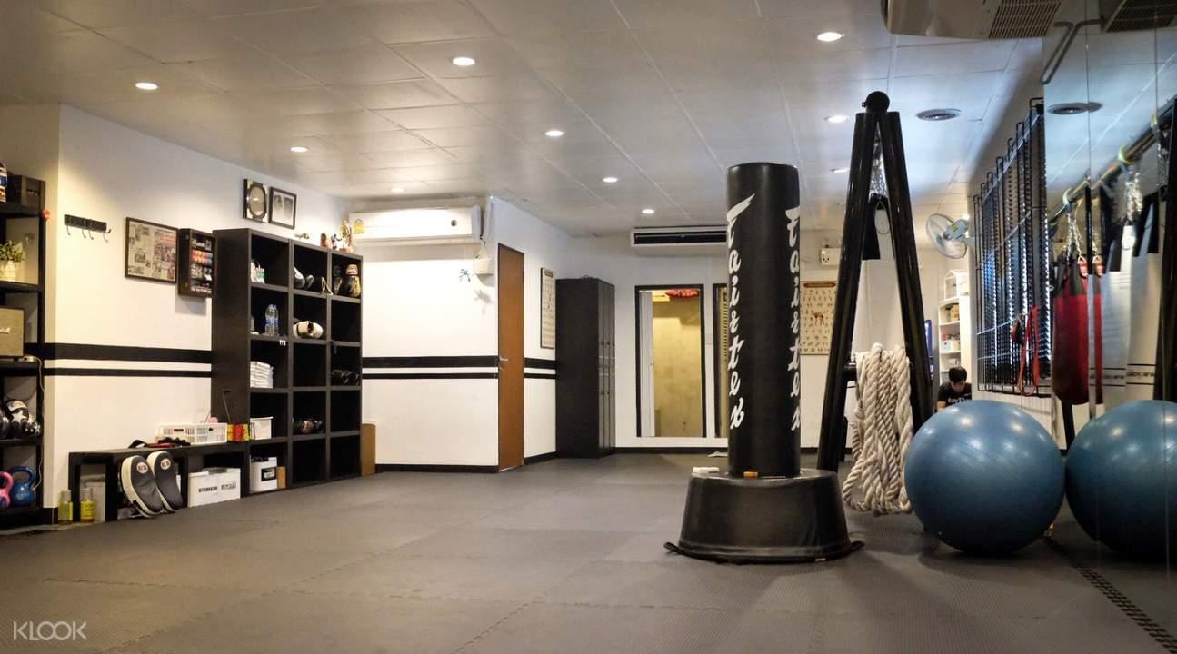 曼谷Watchara泰拳健身俱乐部泰拳体验课