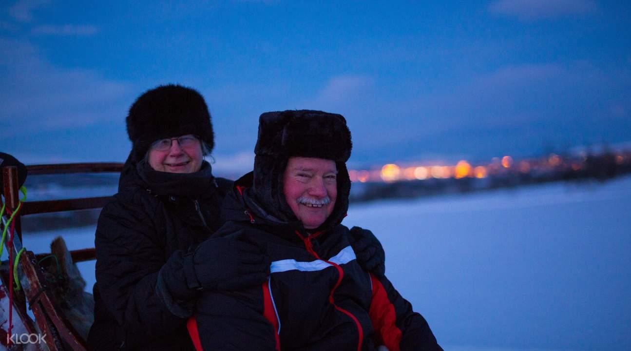 哈士奇雪橇体验