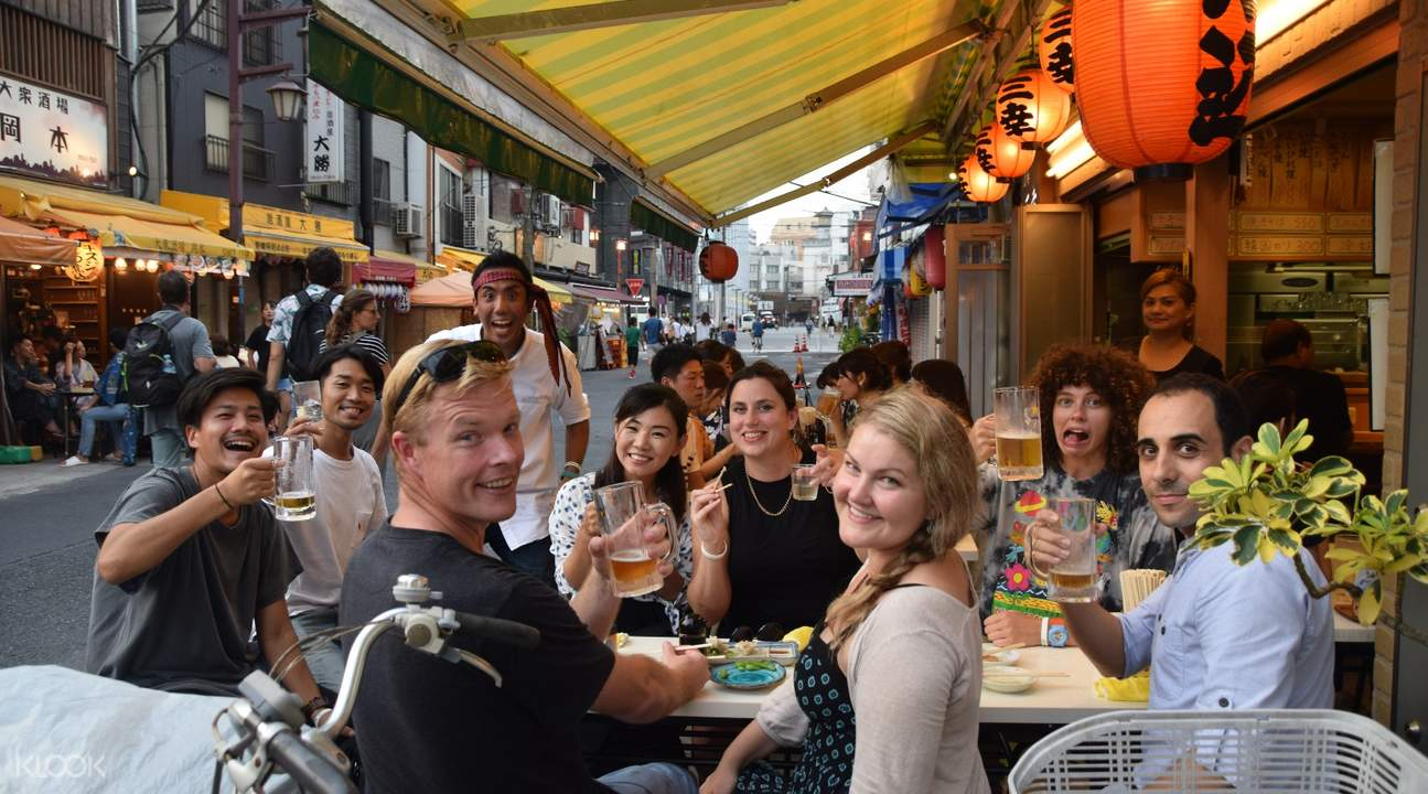 Asakusa Evening Food and drink Tour