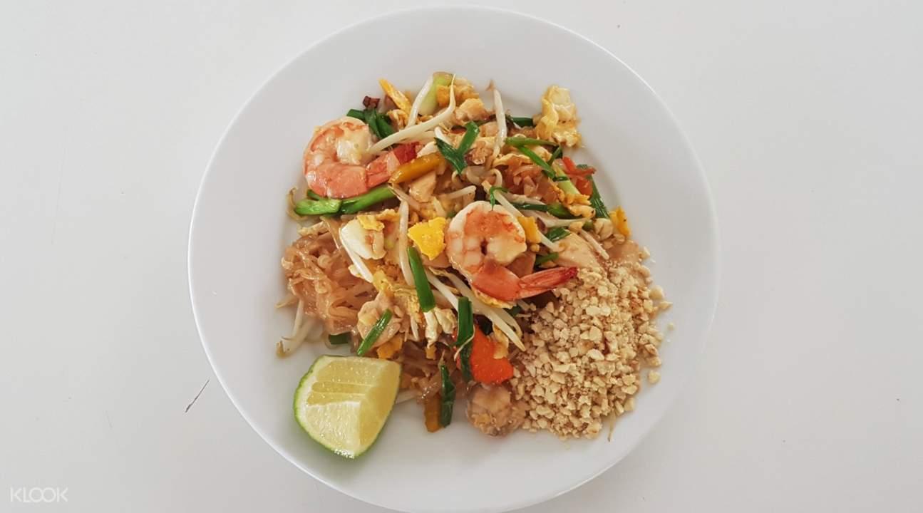 pad thai Private Thai Cooking Class at Koh Phangan Vocational School