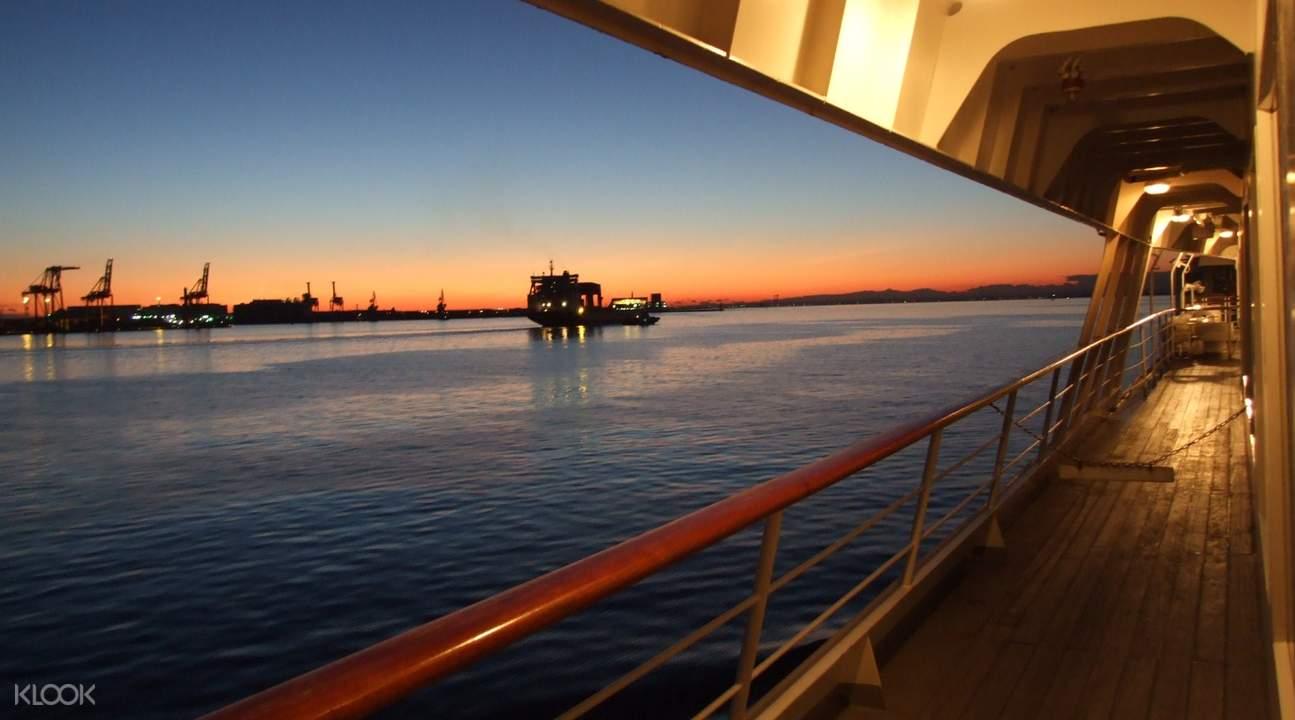 日本東京灣「交響樂」(SYMPHONY)號遊輪夕陽餐
