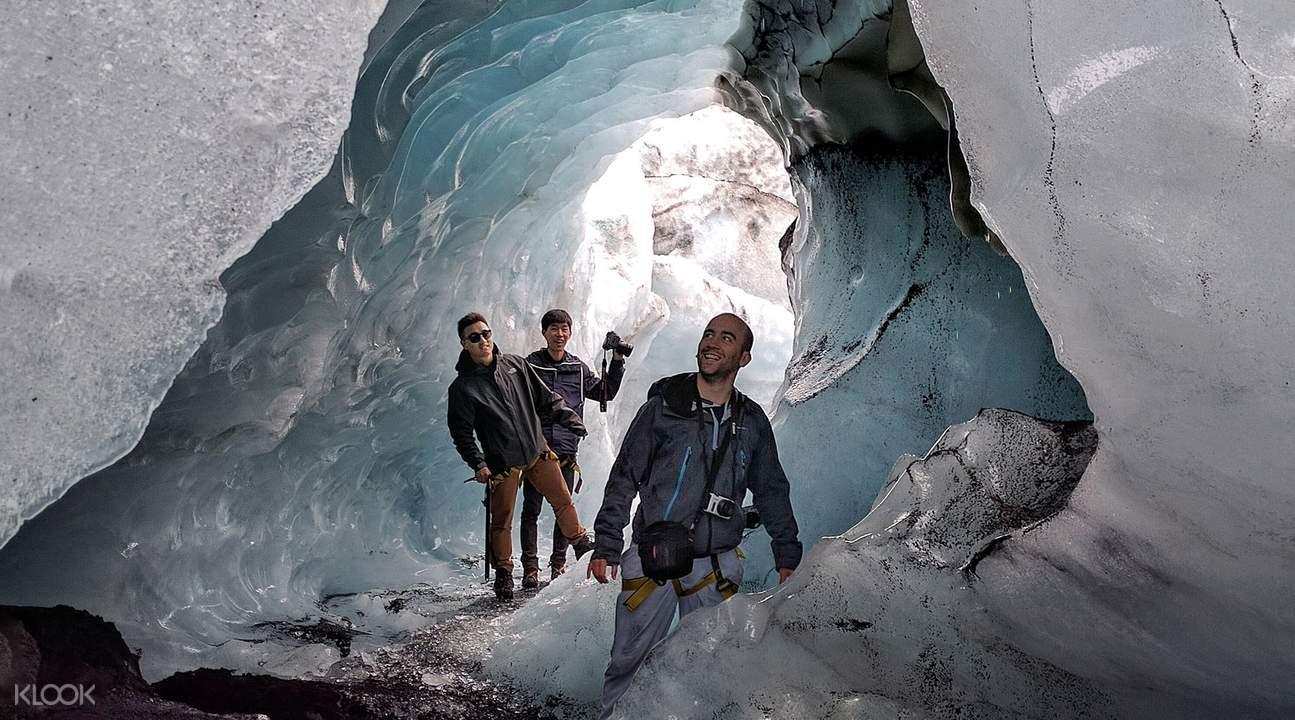冰島南岸一日遊—火山洞穴