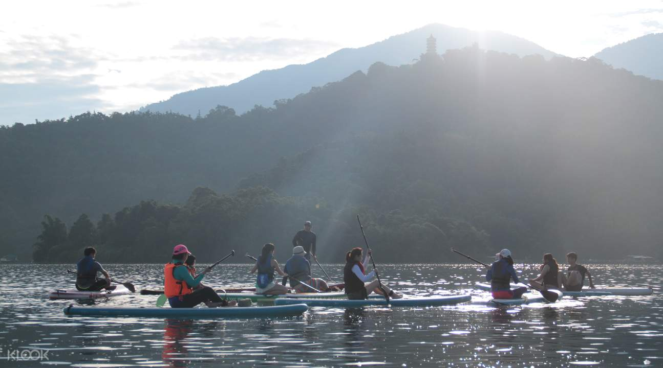 sup tours on sun moon lake