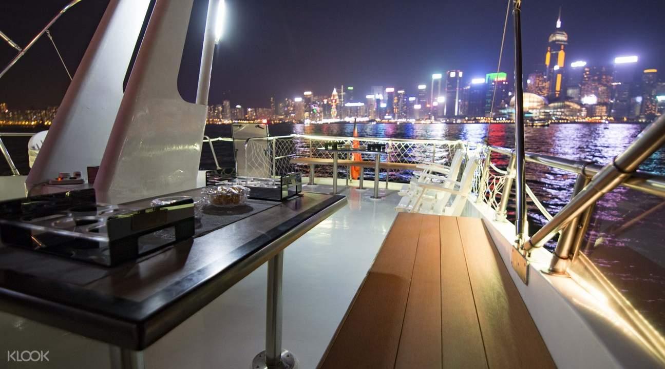 香港豪华游艇维港夜游