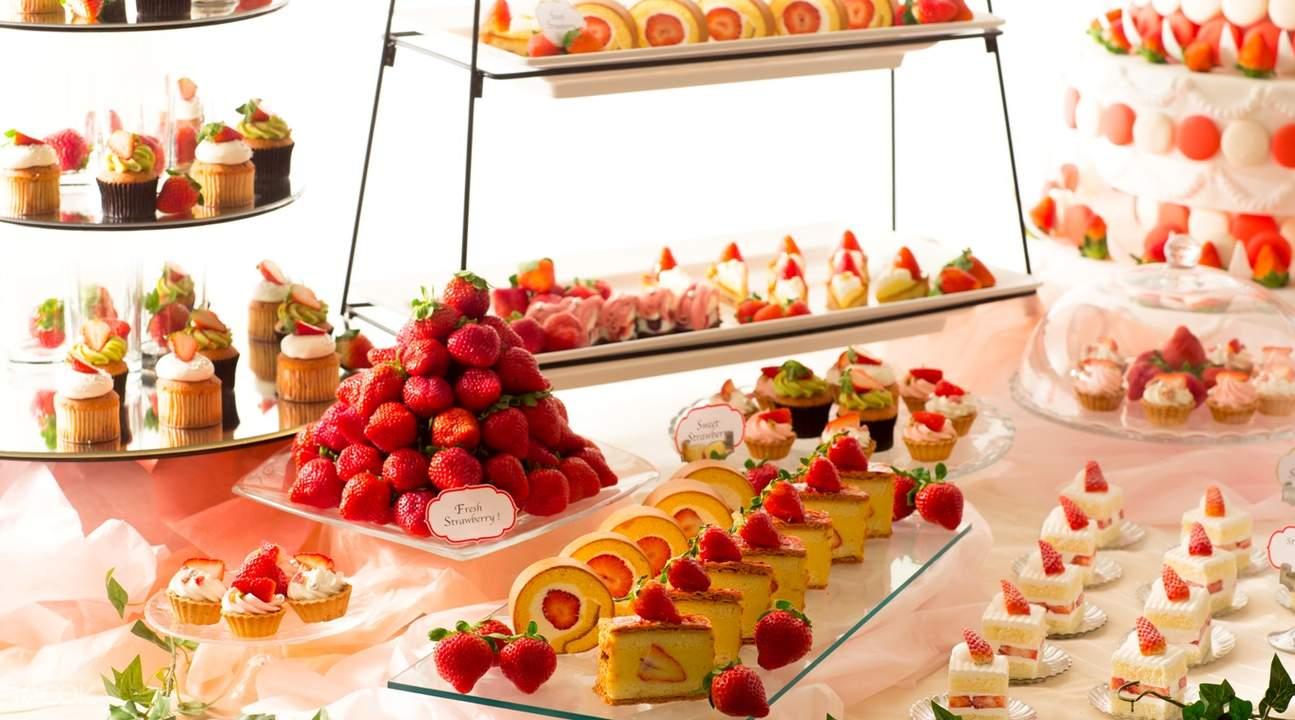 品嚐草莓甜品放題