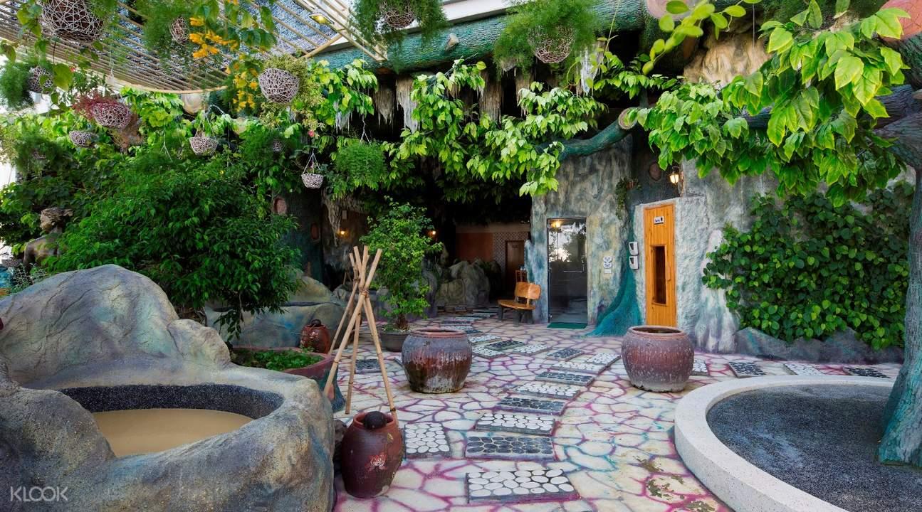 Galina Hotel and Spa outdoor mud baths