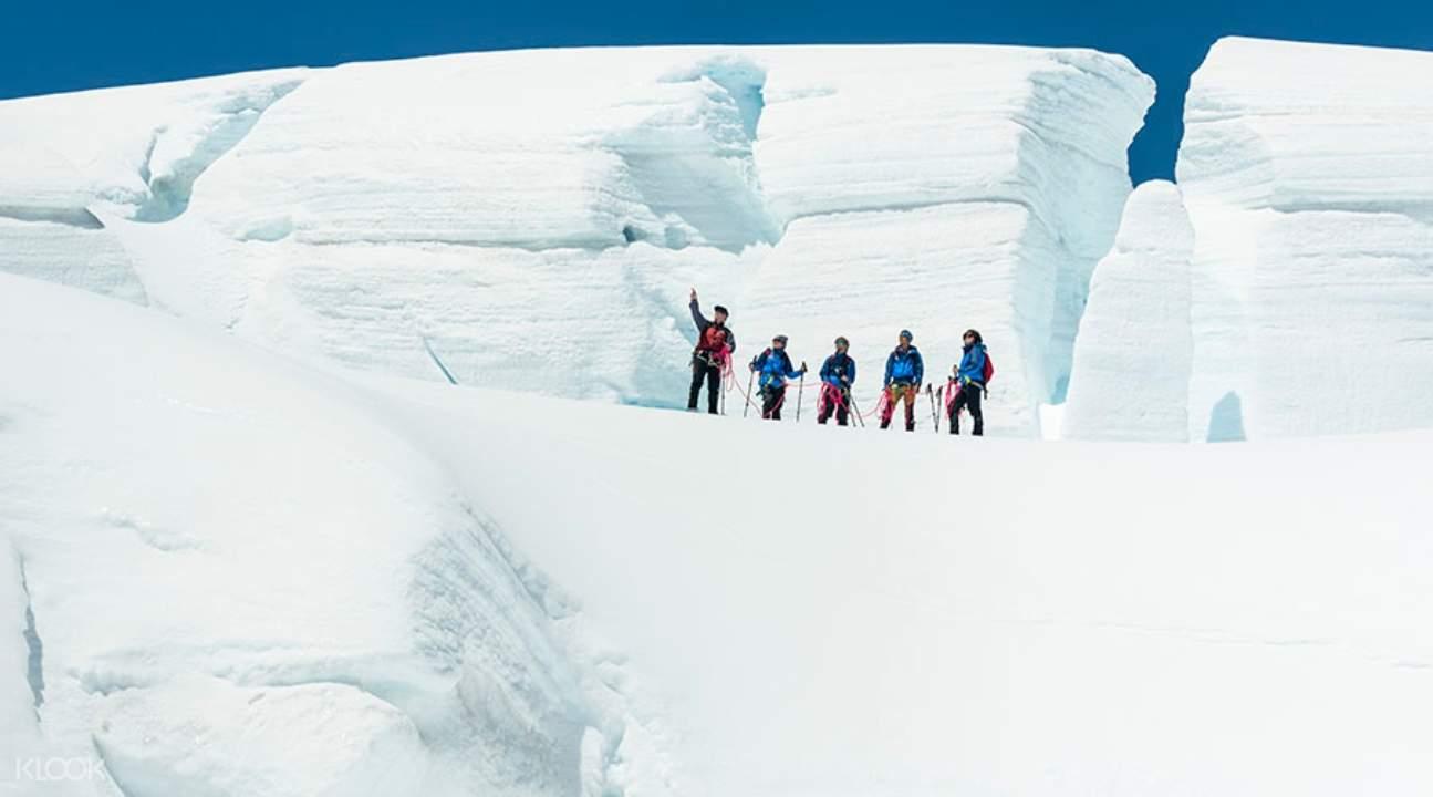 塔斯曼冰川山頂健行, 塔斯曼冰川雪鞋體驗, 造訪塔斯曼冰川, 冰川健行體驗