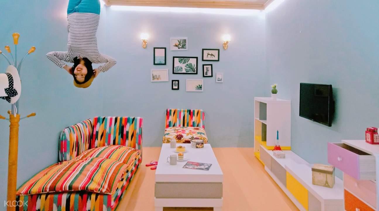 Bước vào thế giới Upside Down World ở Đà Nẵng và khám phá nhiều phòng theo chủ đề sáng tạo