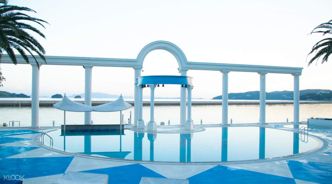 pool at hotel limani and spa