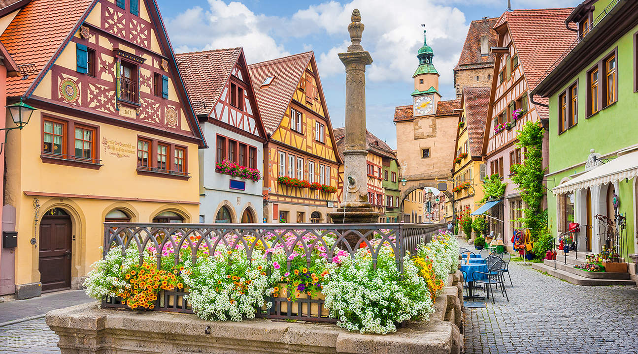 Romantic Road: Rothenburg and Harburg from Munich