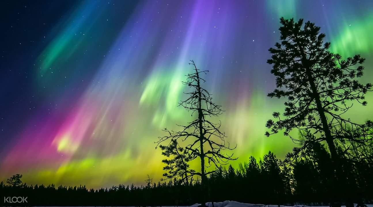 芬蘭拉普蘭冰湖,羅瓦涅米極光,極光漂浮