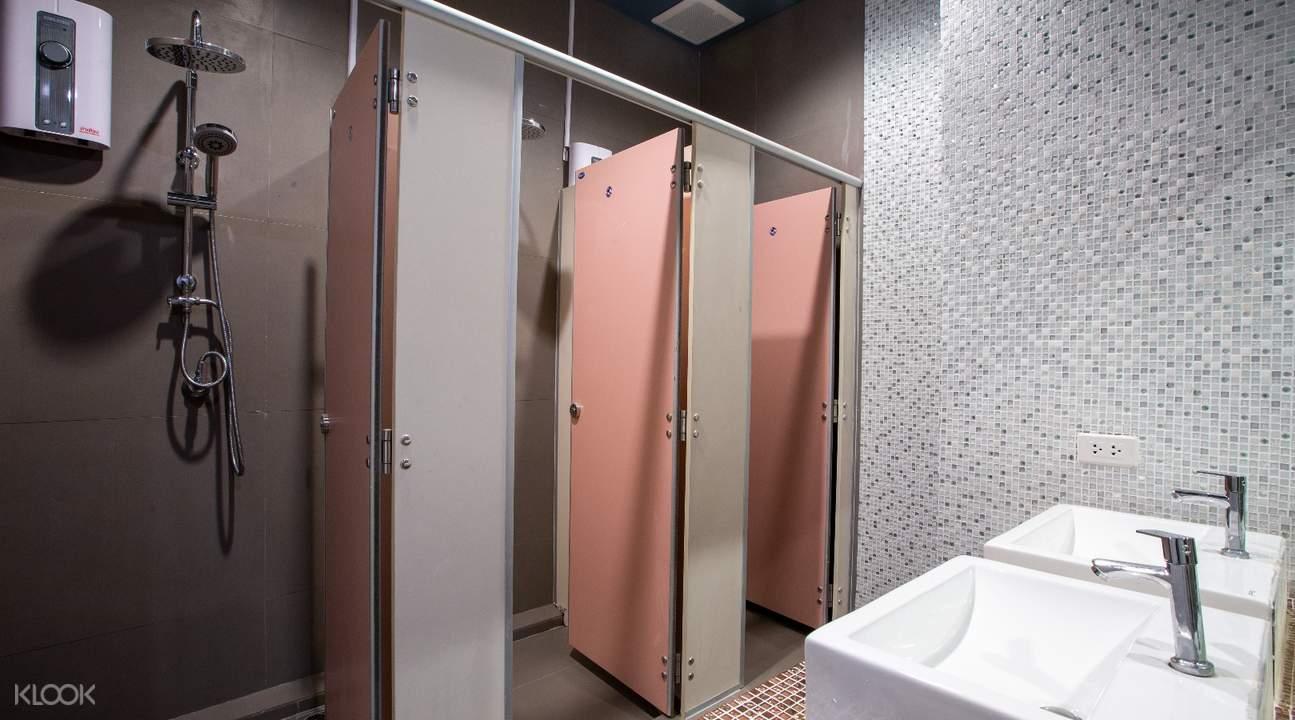 shower room power nap lounge bangkok thailand