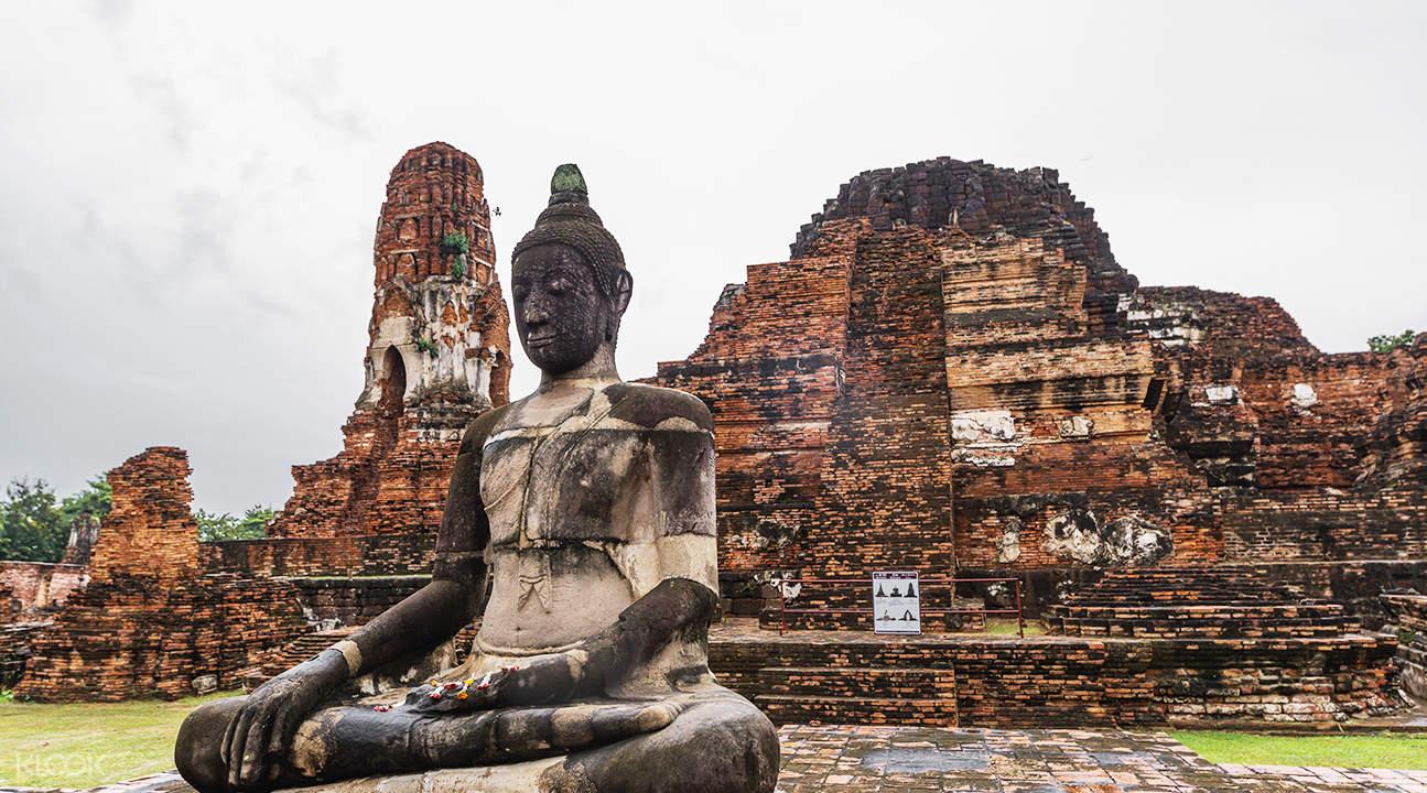 buddha image at Wat Mahathat