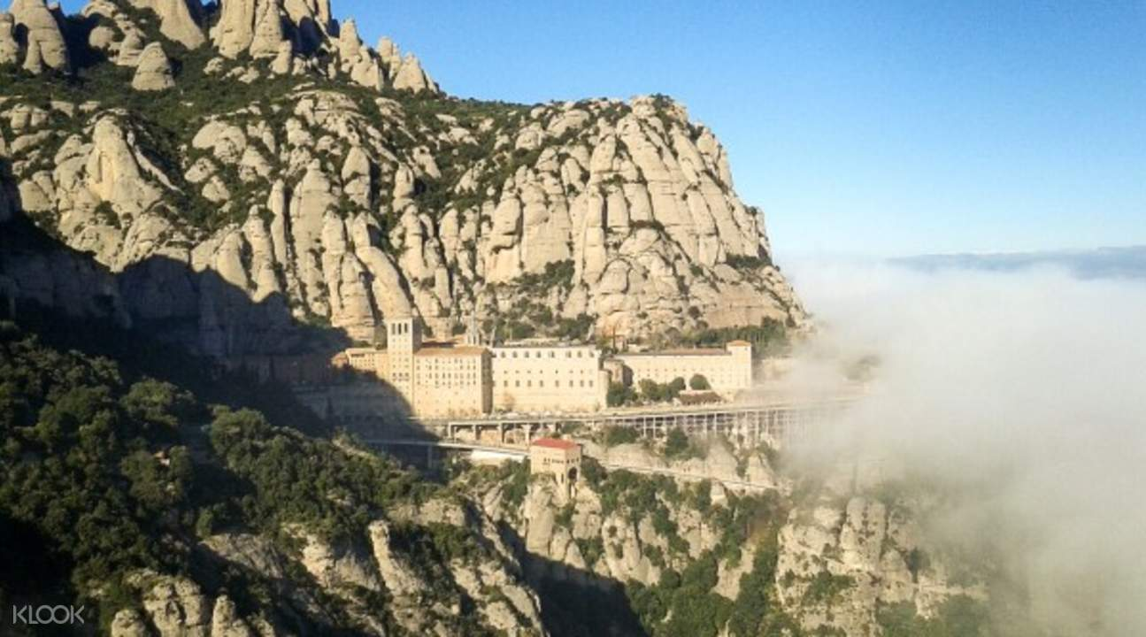 montserrat monastery tour barcelona