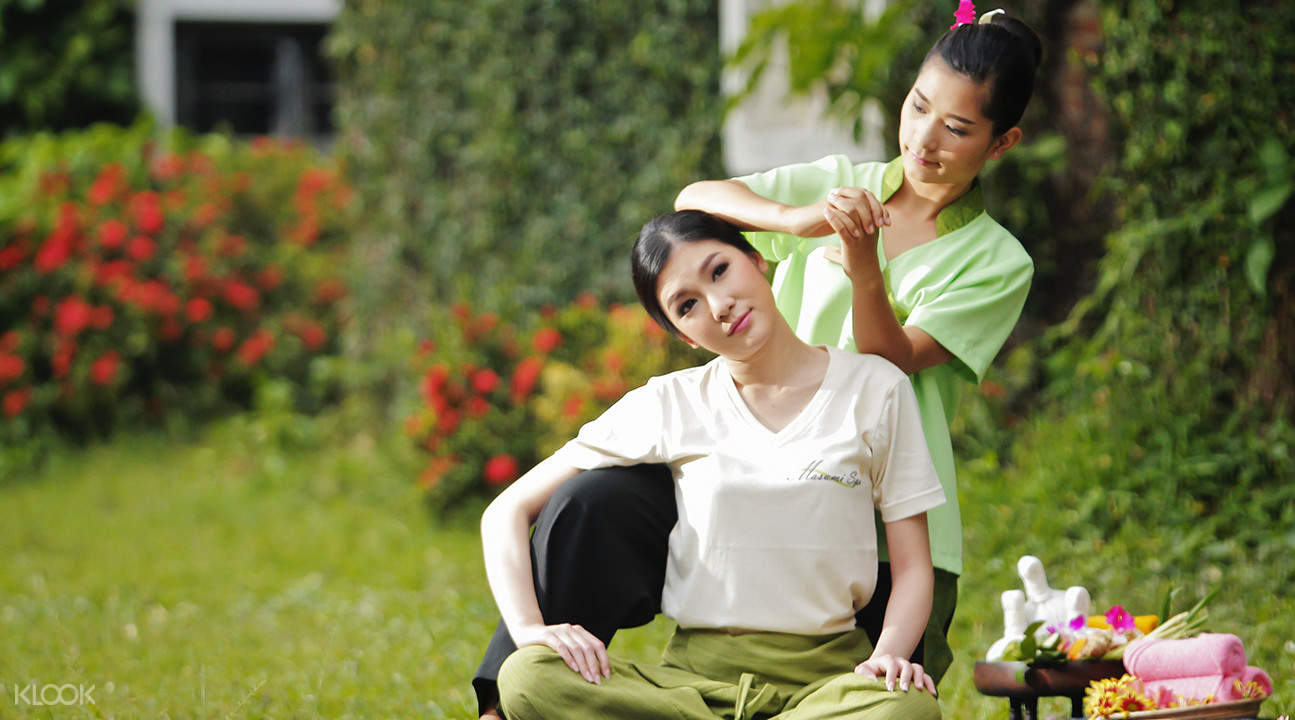massage therapist Masumi Spa in Chiang Mai Thailand