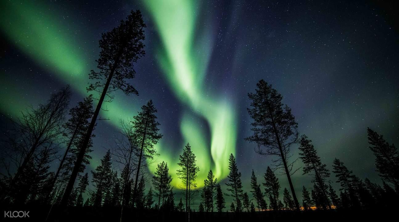 芬兰北极光景象