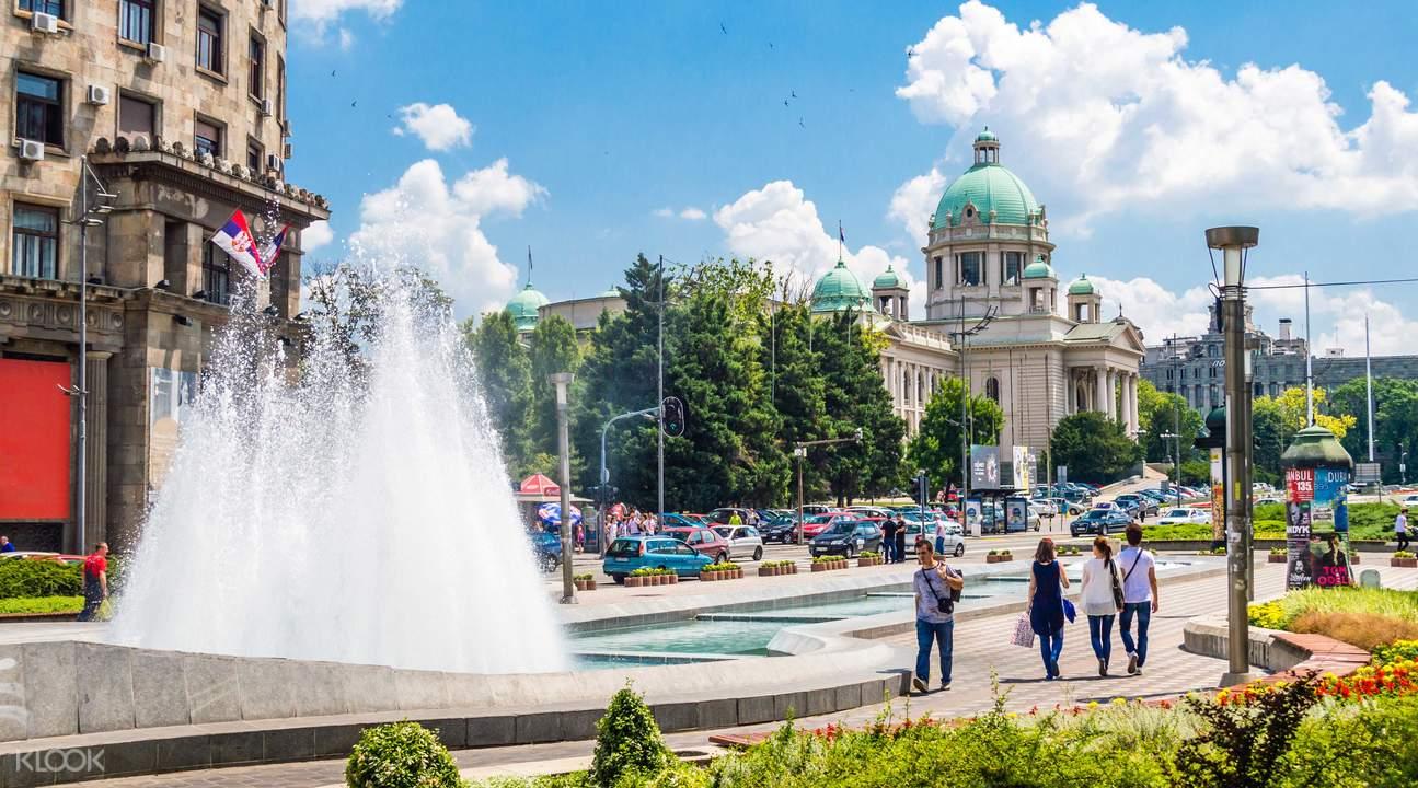 尼古拉·帕西奇广场
