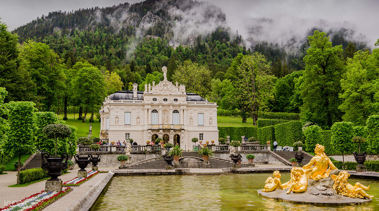 Neuschwanstein & Linderhof Royal Castle and Oberammergau Tour from Munich