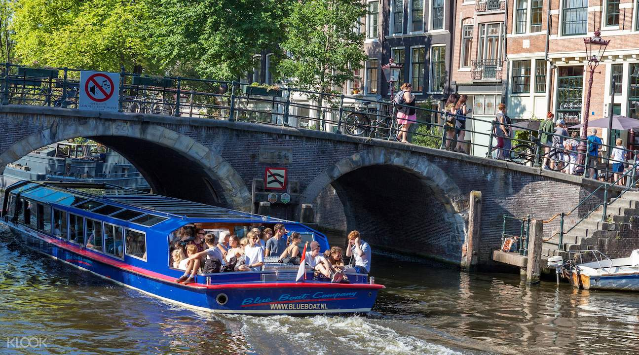 amsterdam canal cruise, amsterdam canal cruise tickets, amsterdam canal cruise blue boat, amsterdam canal cruise experience