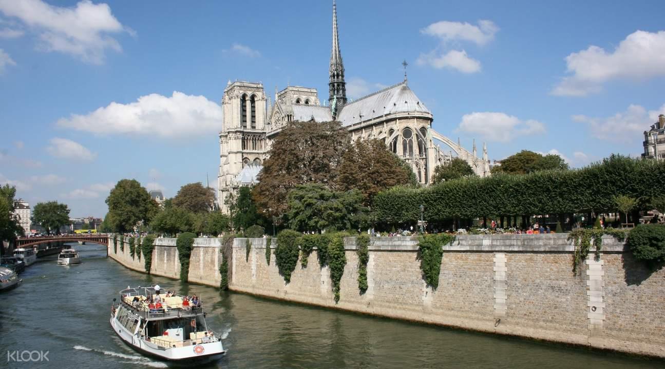 塞纳河乘船梦幻畅游,体验多姿曼妙的巴黎