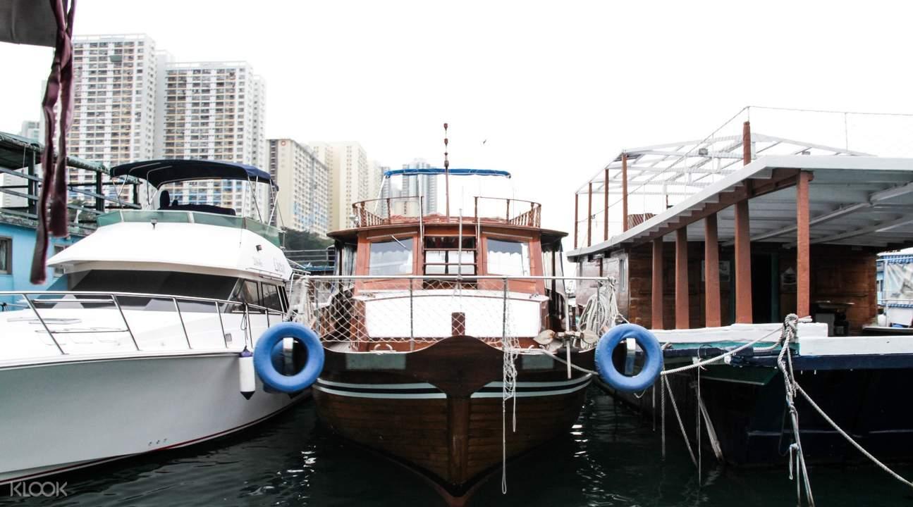 中式接驳游艇