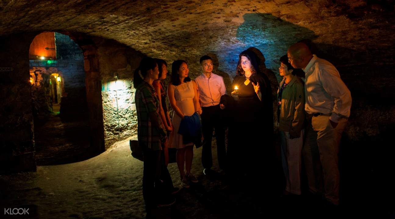 gory stories tour edinburgh, gory stories kid's tour edinburgh, edinburgh scary tours, edinburgh haunted sites tours, haunted places in edinburgh