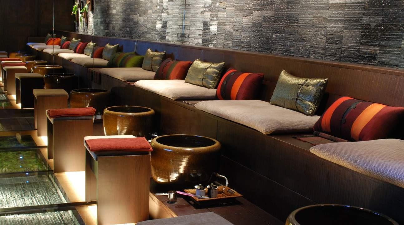 massage chairs in villa.like spa in taipei