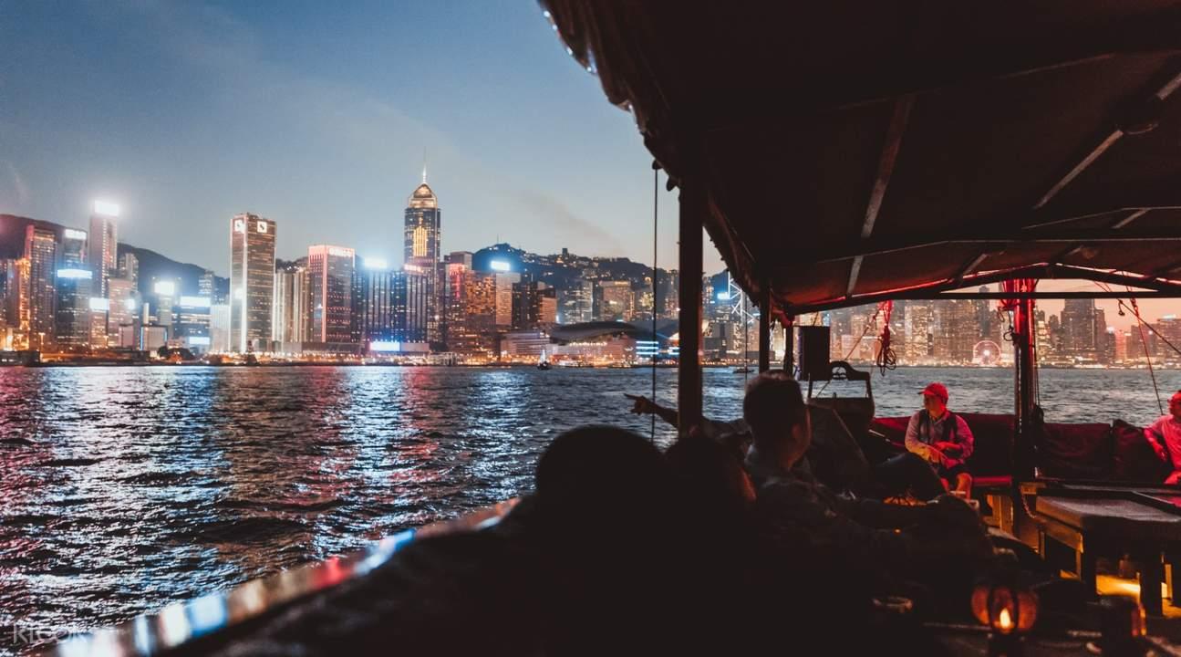 香港张保仔号游艇内部
