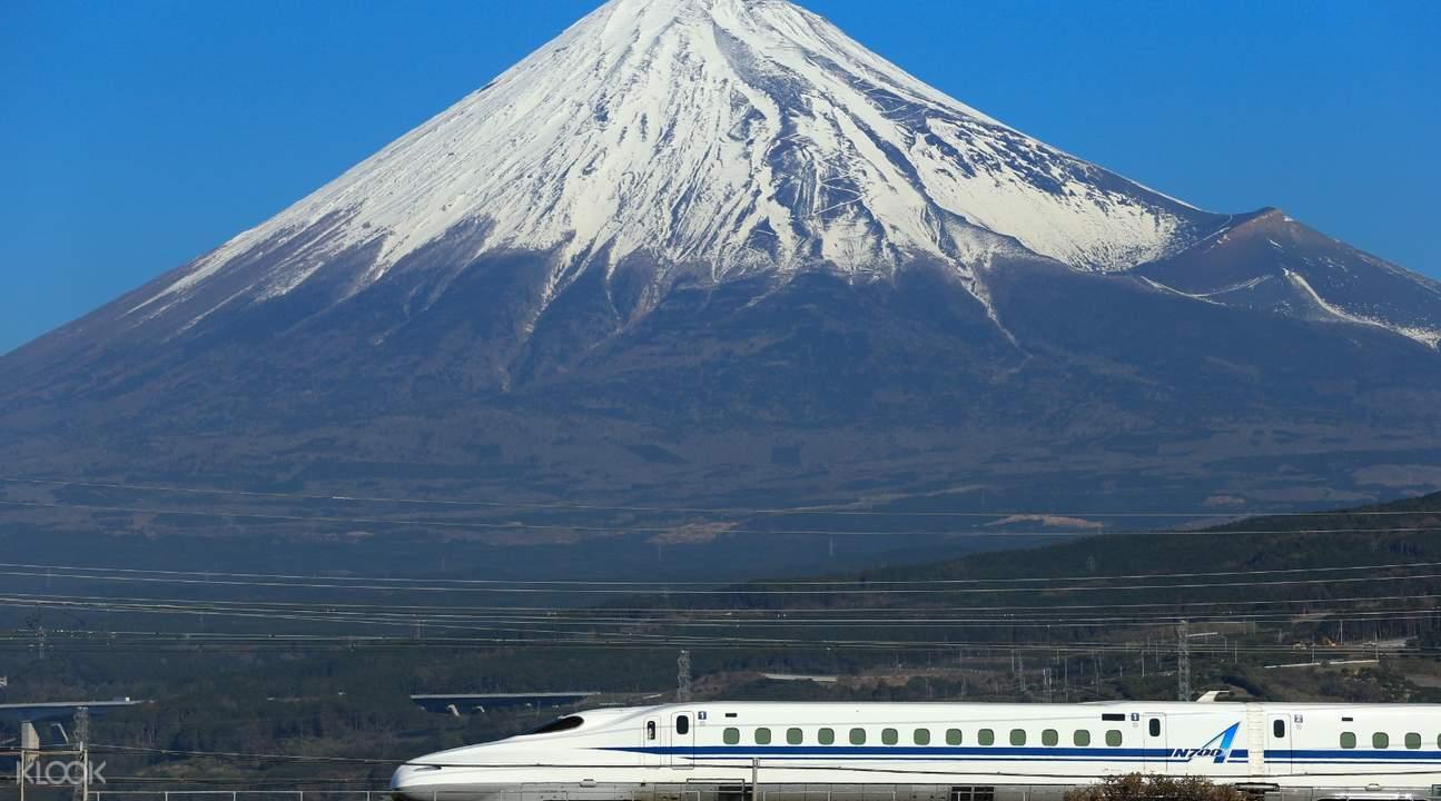 shinkansen passing mt fuji