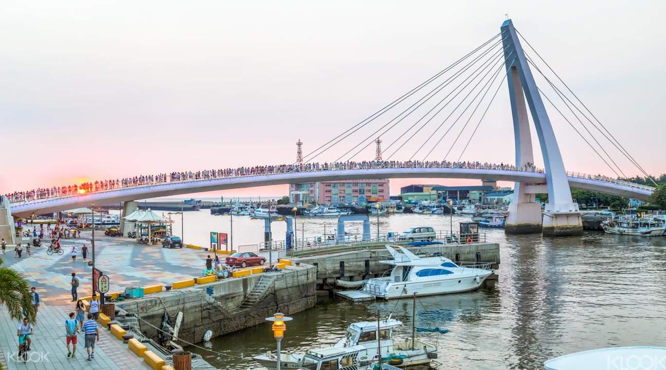 Tamsui Fisherman's Wharf