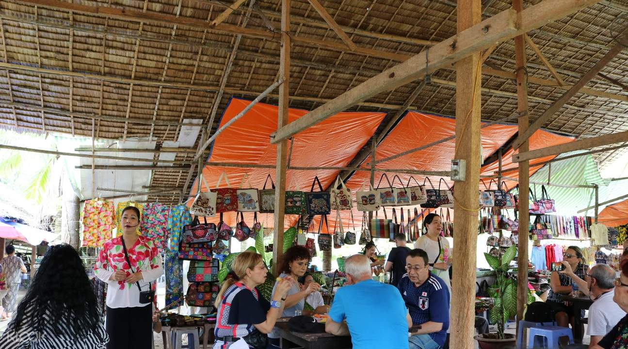 Listen to traditional South Vietnamese music while delighting in delicious tropical fruits