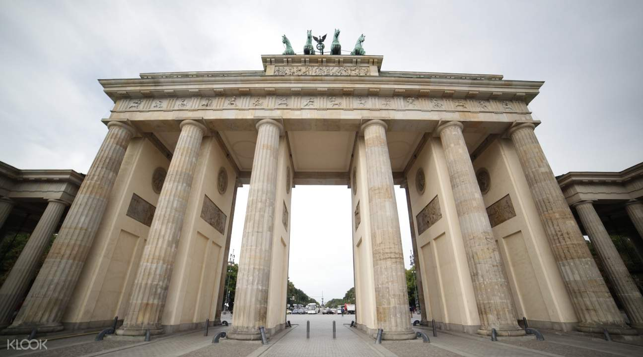 brandenburg gate berlin half day walking tour