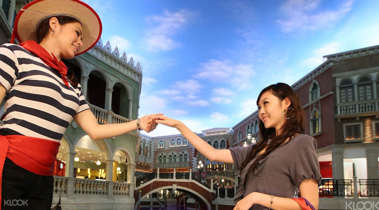 gondola ride venetian hotel macau