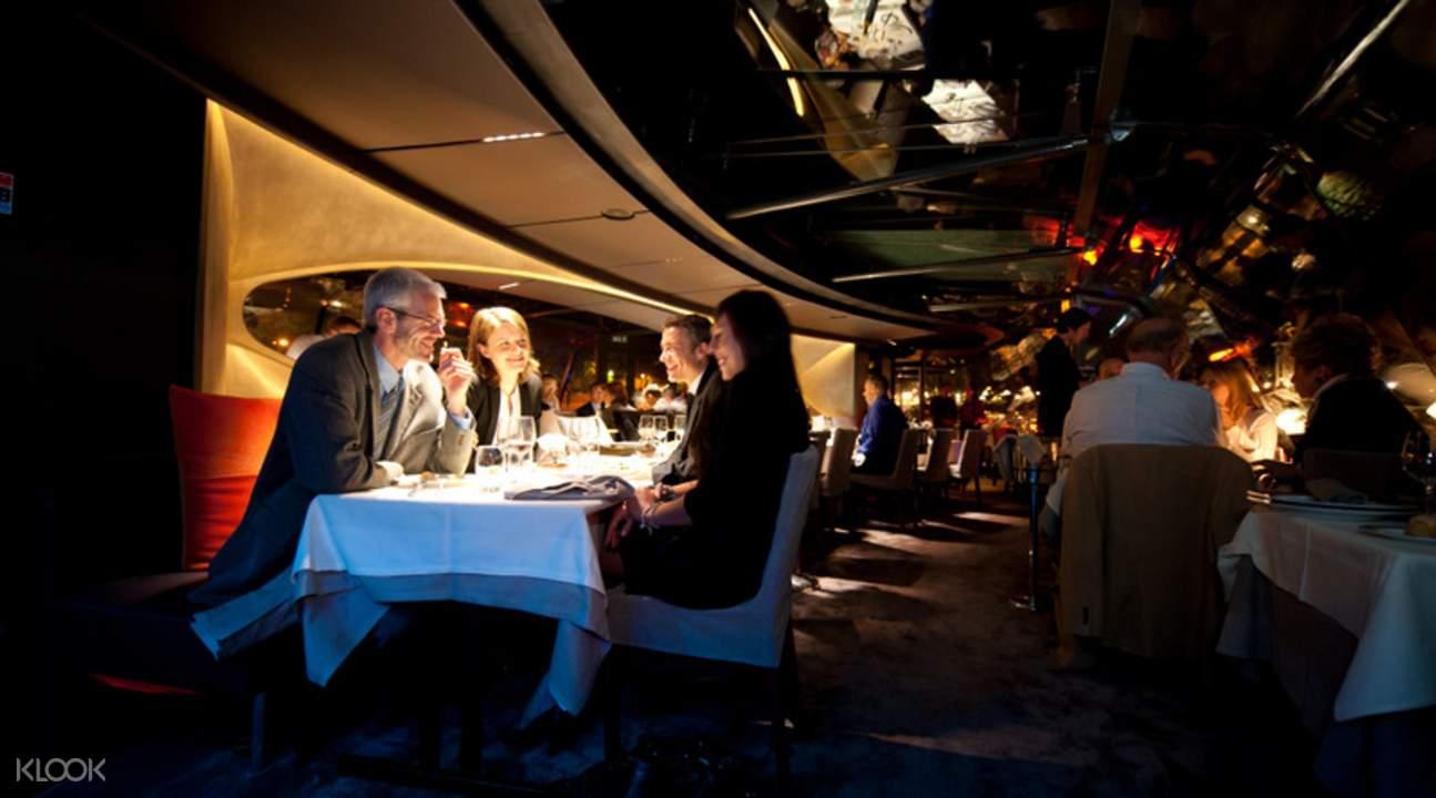 塞纳河游船晚餐