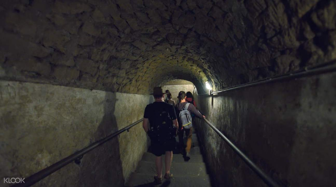那不勒斯城市導覽半日遊 & 地下遺址觀光