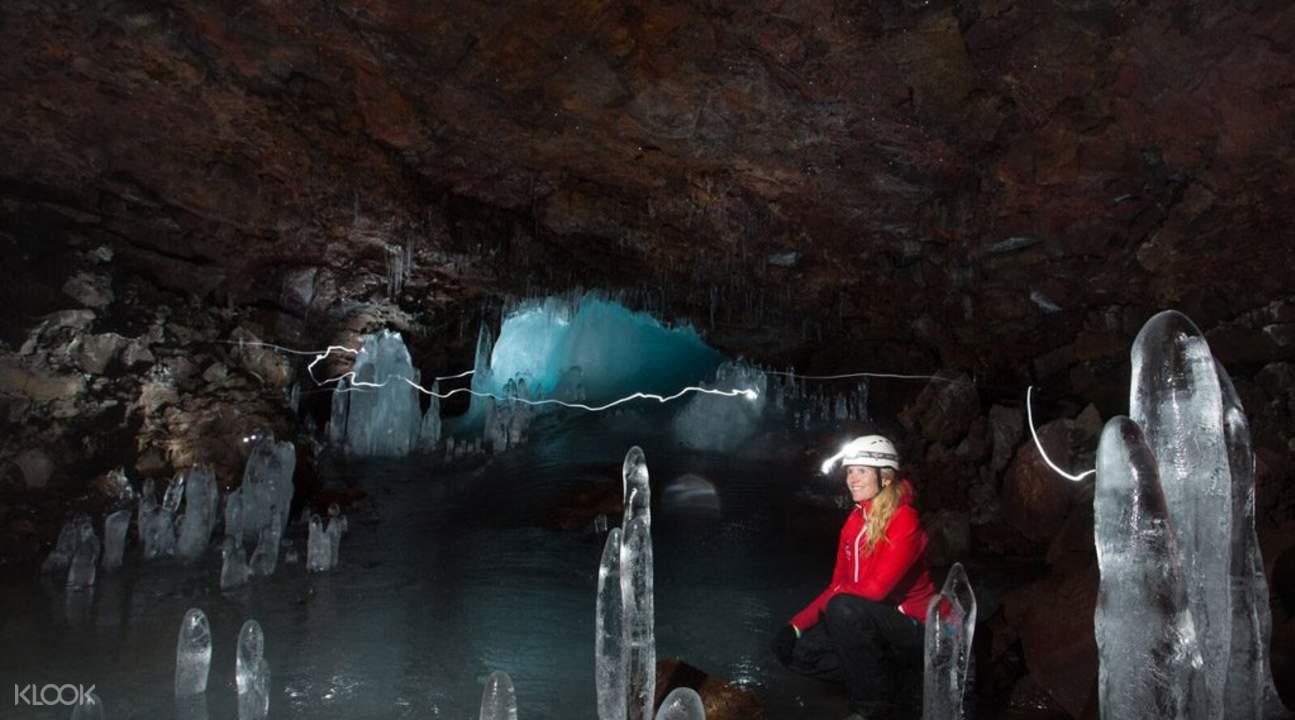冰島南部地下熔岩洞探險