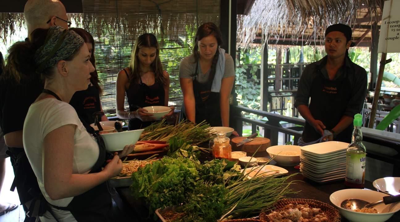 老挝传统菜式烹饪班