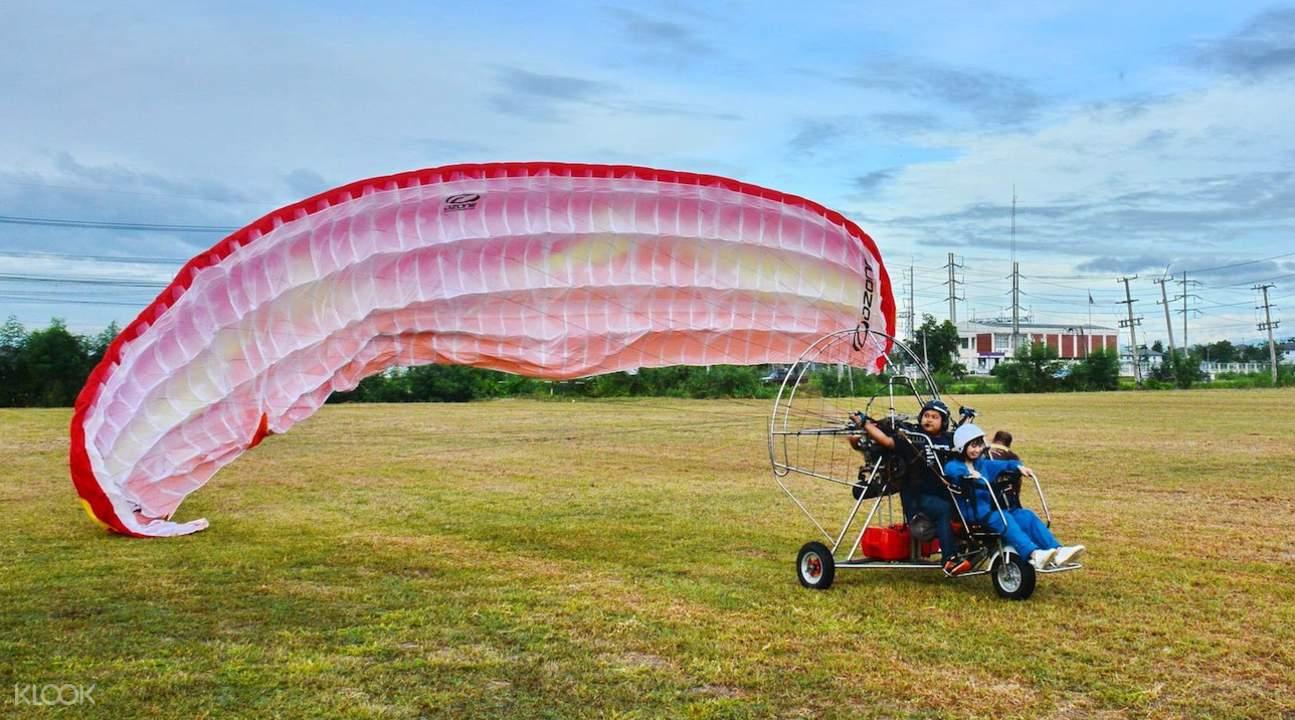 清迈动力滑翔伞飞行体验