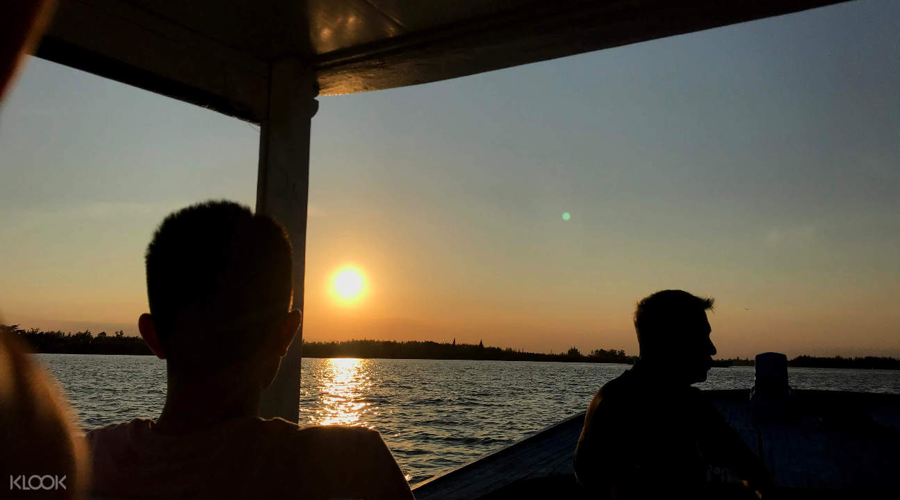 Cycling and Sunset River Cruise Experience in Hoi An, Vietnam