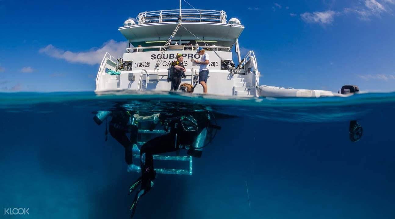 凯恩斯大堡礁PADI进阶开放水域潜水训练三日课程