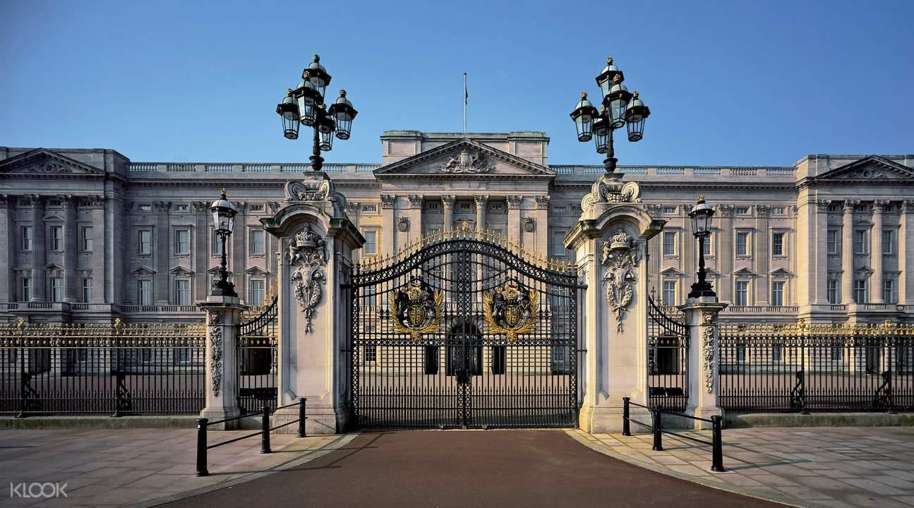 ทัวร์ชมห้องพิธีการ ในพระราชวังบักกิงแฮม (Buckingham Palace) ลอนดอน