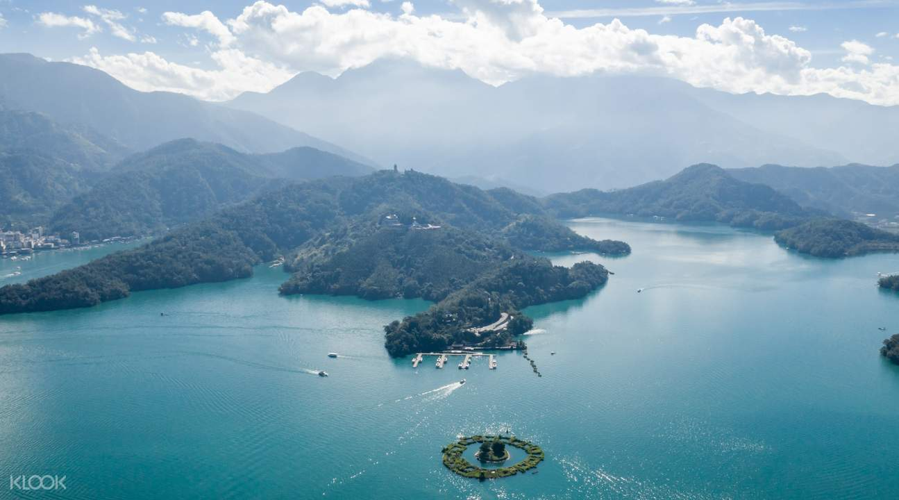 sun moon lake in taichung taiwan with sightseeing car charter