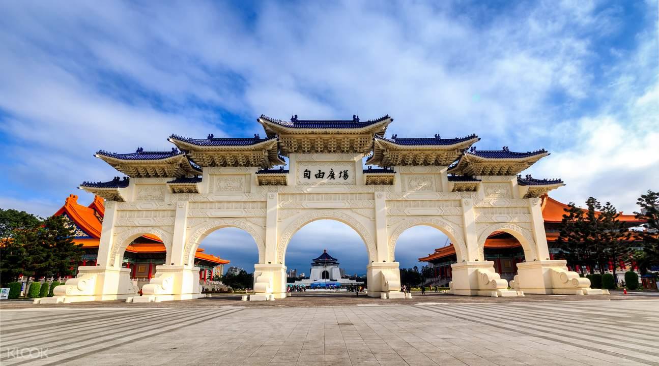 Thuê xe riêng tham quan điểm đến hấp dẫn ở Đài Bắc