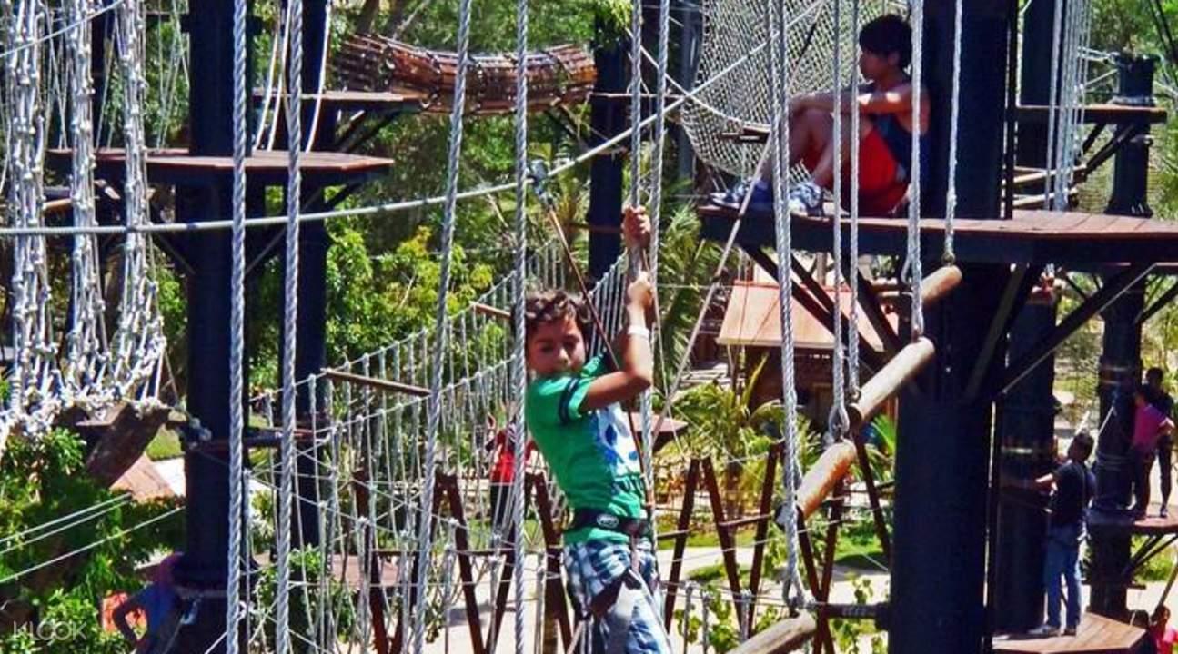 槟城逃生冒险游乐主题公园