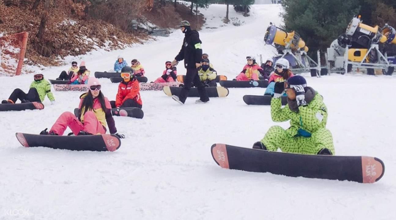 江原道洪川大明Vivaldi Park滑雪一日游