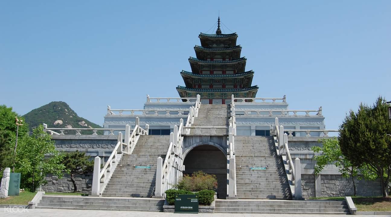 Gyeongbokgung Palace grounds